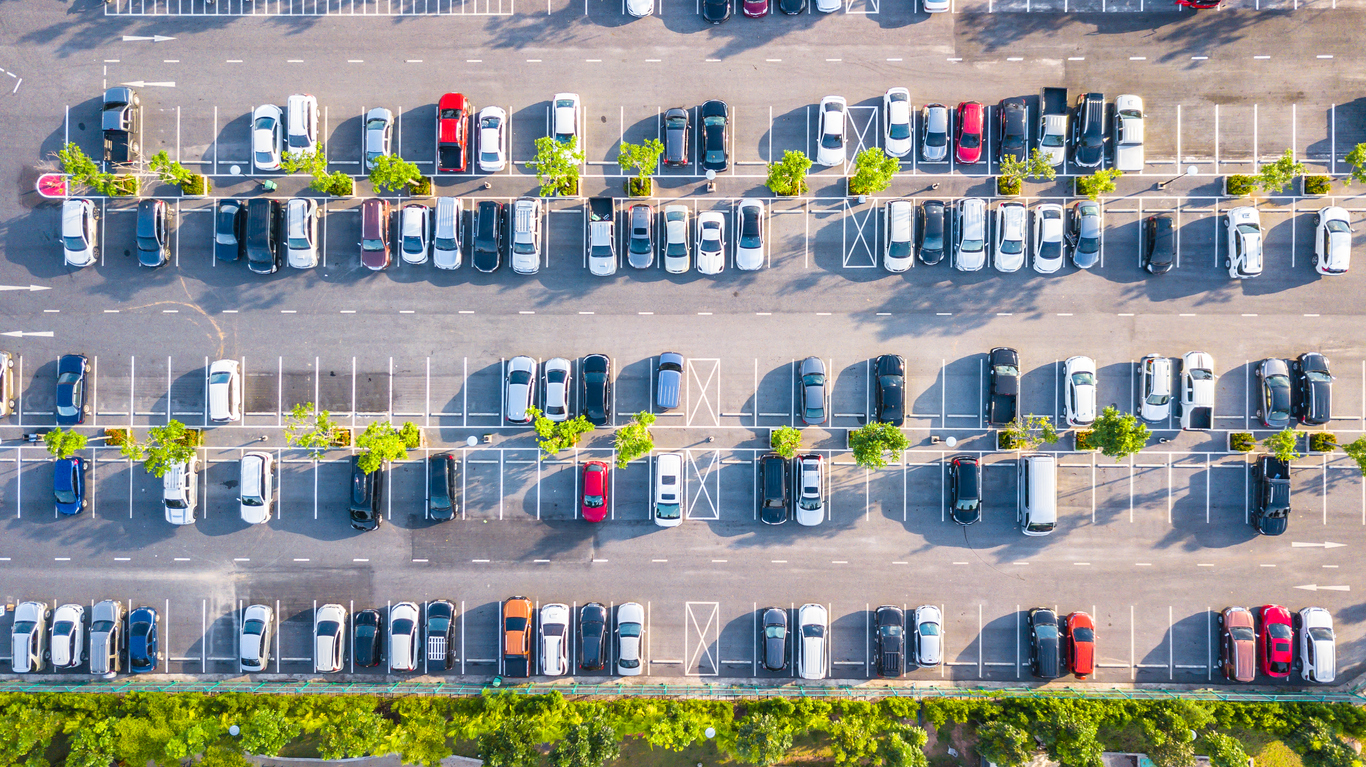 Maintaining Your Commercial Parking Lot Space